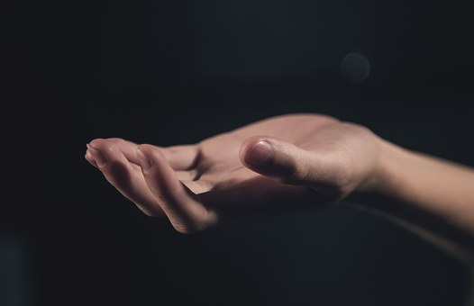 hand-1044883__340